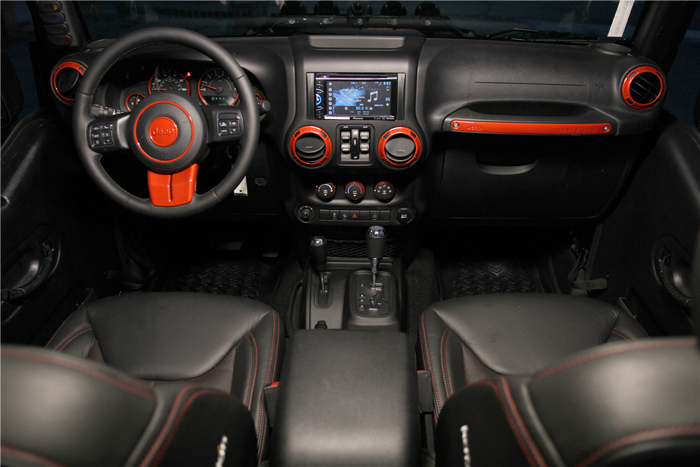 2015 JEEP WRANGLER CUSTOM SUV - Interior - 188524