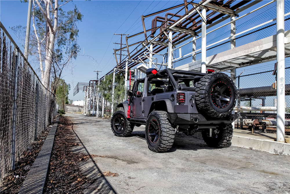 2015 JEEP WRANGLER CUSTOM SUV - Rear 3/4 - 188524