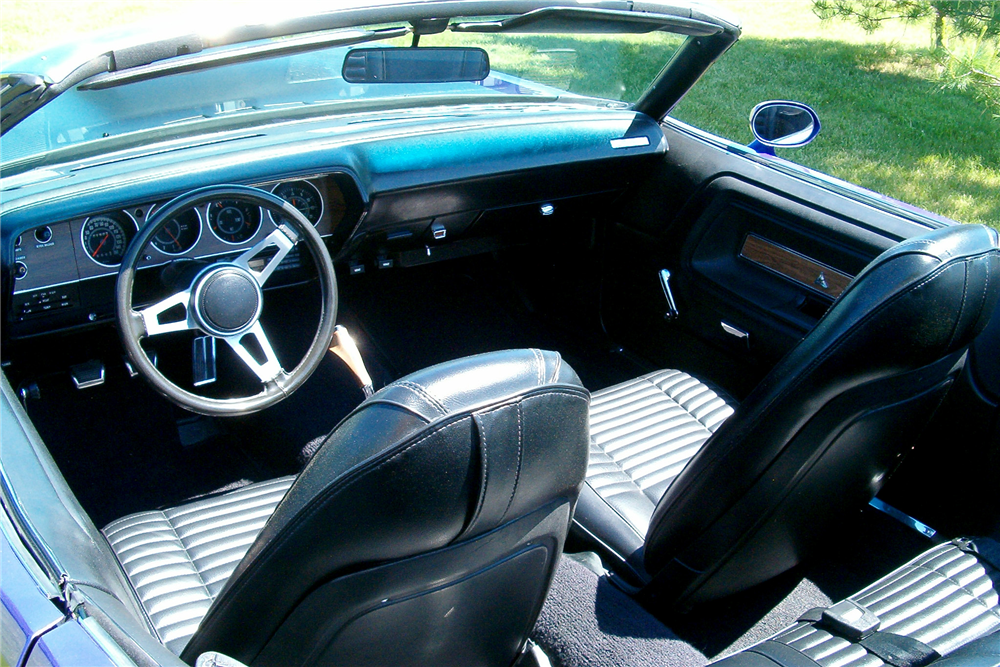 1971 DODGE CHALLENGER CUSTOM CONVERTIBLE - Interior - 188604