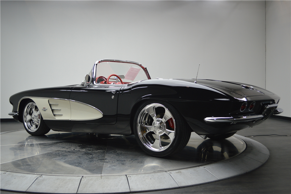1961 CHEVROLET CORVETTE CUSTOM CONVERTIBLE - Rear 3/4 - 188619