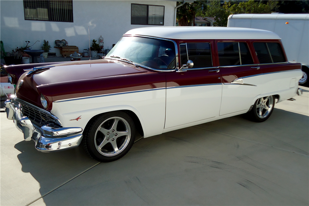 1956 FORD COUNTRY SEDAN CUSTOM STATION WAGON - Front 3/4 - 188620