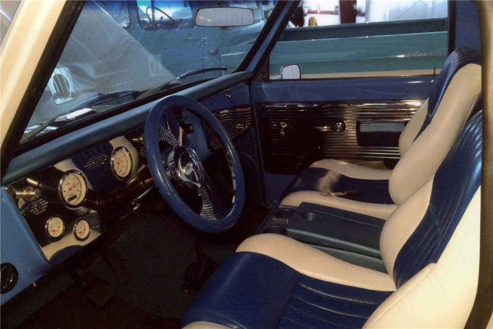 1968 GMC 150 CUSTOM PICKUP - Interior - 188636