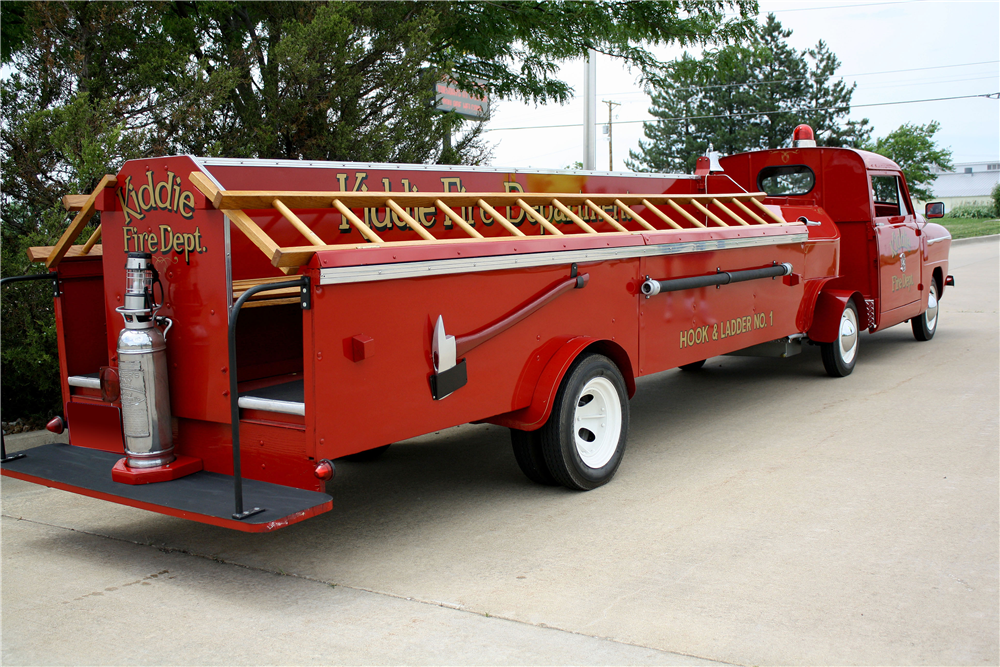 1952 CROSLEY CD KIDDEE HOOK & LADDER FIRE TRUCK - Rear 3/4 - 188652