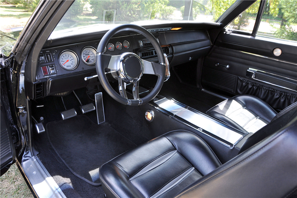 1968 DODGE CHARGER - Interior - 188670