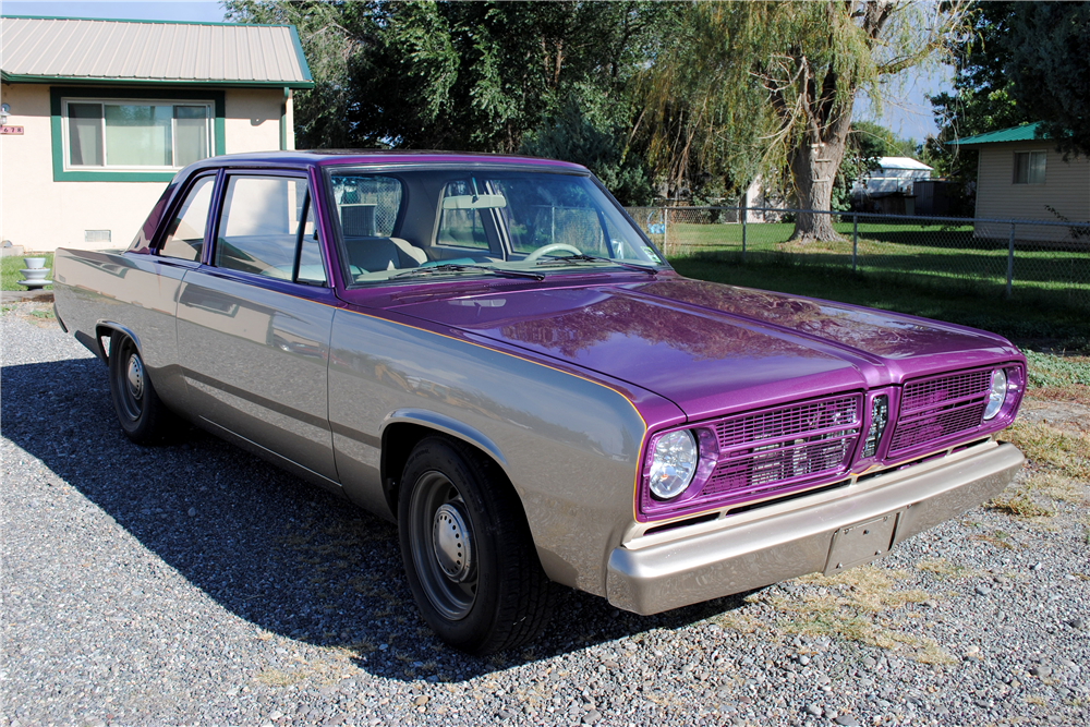 1967 PLYMOUTH VALIANT CUSTOM COUPE - Front 3/4 - 188683