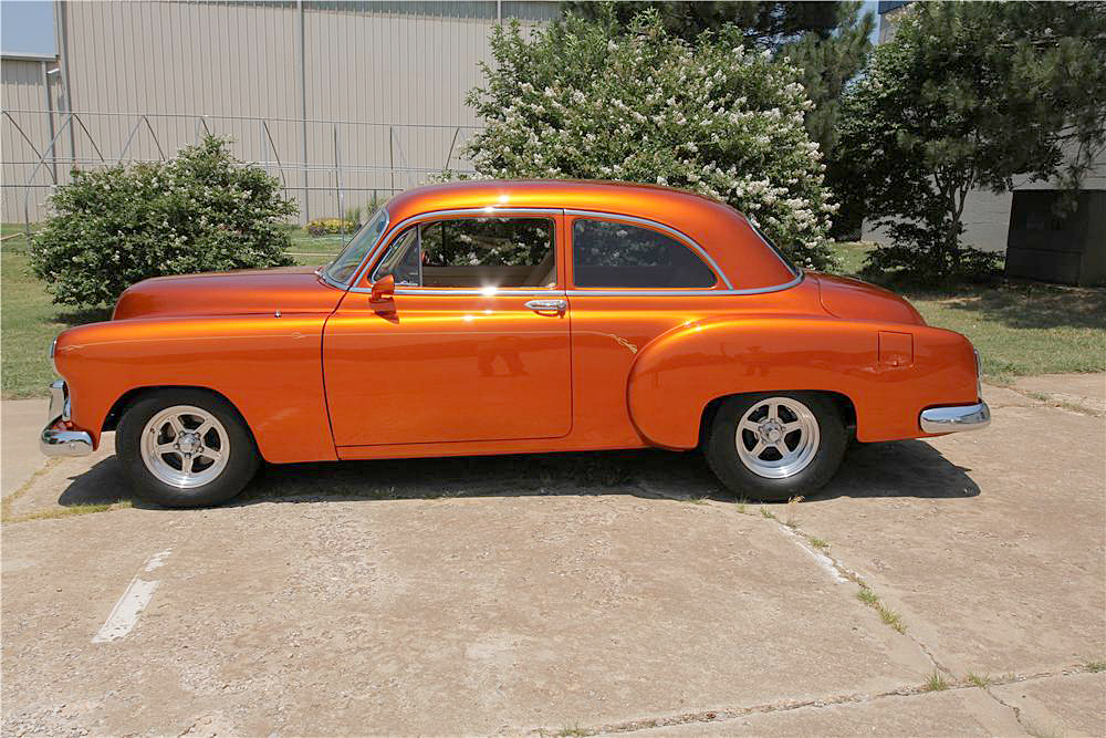 1952 CHEVROLET CUSTOM COUPE - Side Profile - 188697