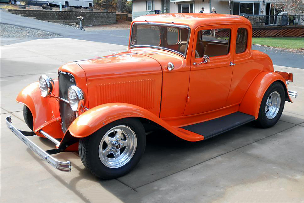 1932 FORD 5-WINDOW CUSTOM COUPE - Front 3/4 - 188699