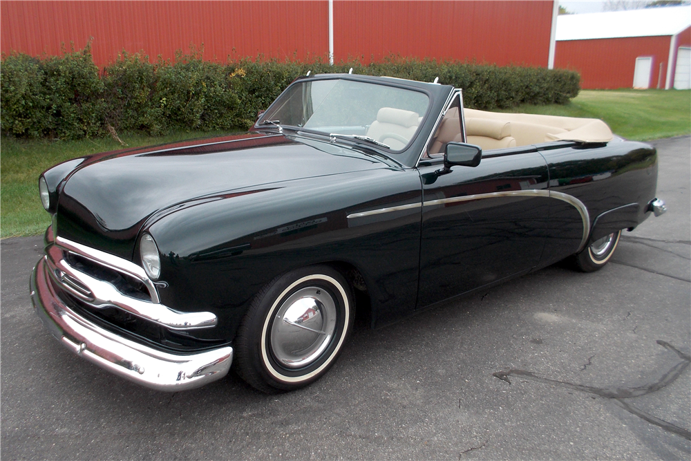1951 FORD CUSTOM CONVERTIBLE - Front 3/4 - 188725