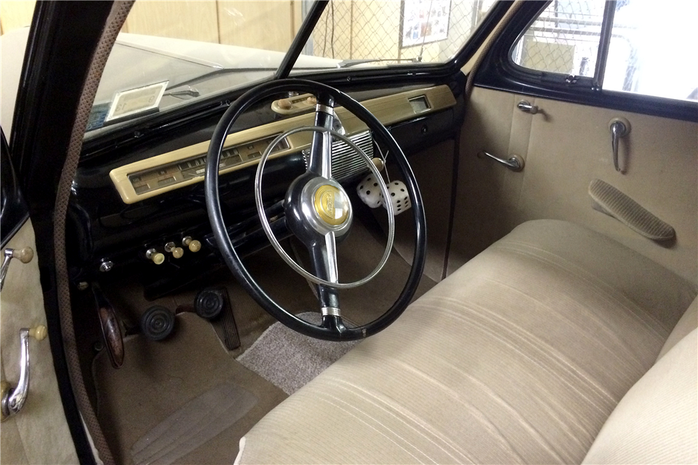 1941 FORD SUPER DELUXE 5-PASSENGER COUPE - Interior - 188735