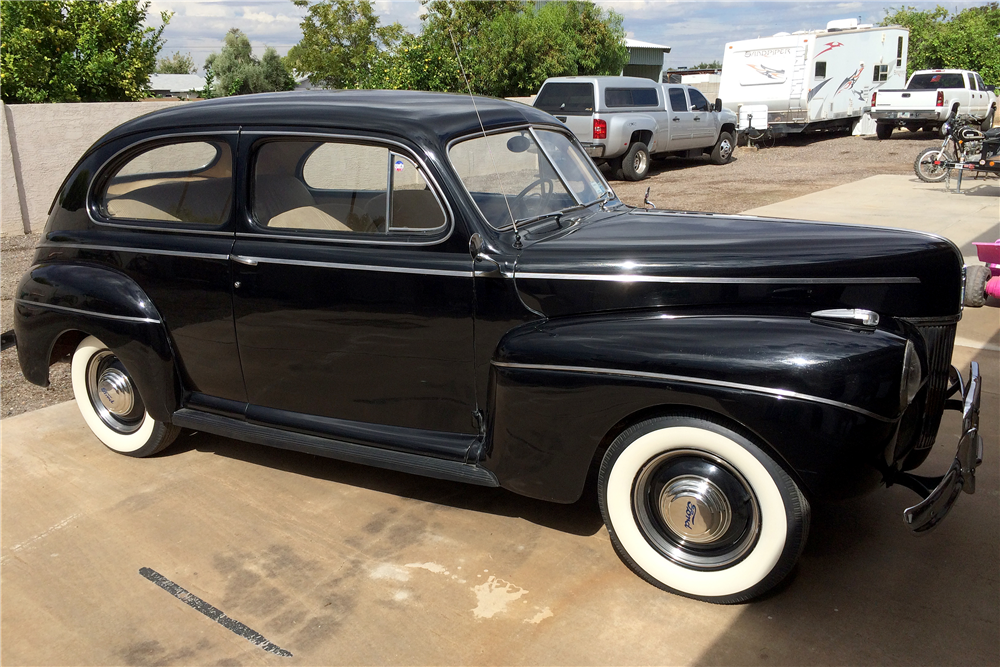 1941 FORD SUPER DELUXE 5-PASSENGER COUPE - Side Profile - 188735