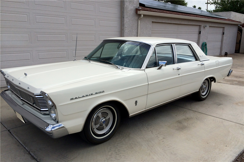 1965 FORD GALAXIE 500 4-DOOR SEDAN - Front 3/4 - 188736