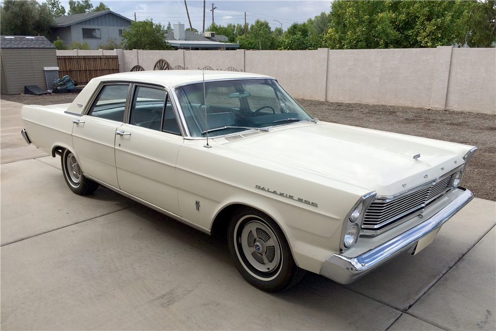 1965 FORD GALAXIE 500 4-DOOR SEDAN - Side Profile - 188736