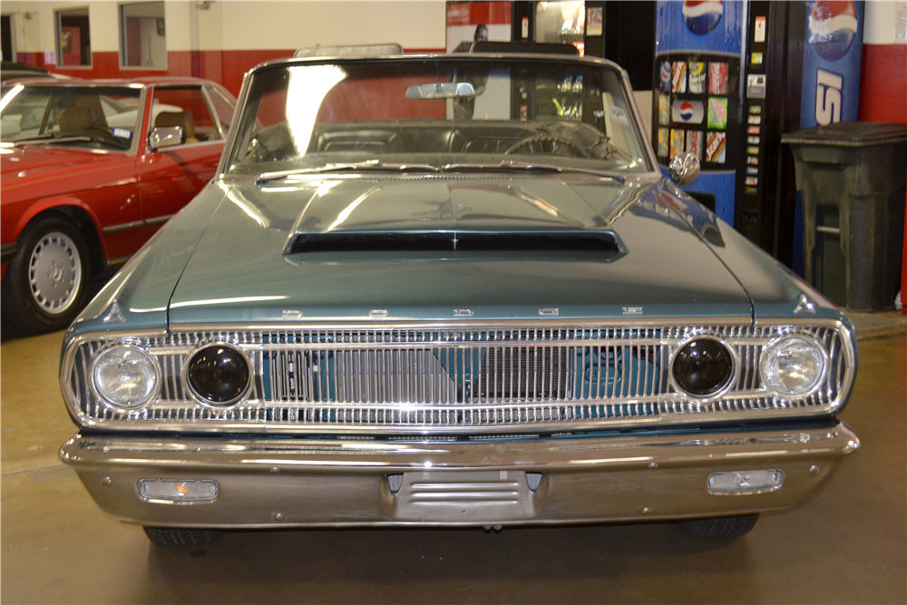 1965 DODGE CORONET 440 CUSTOM CONVERTIBLE - Rear 3/4 - 188742