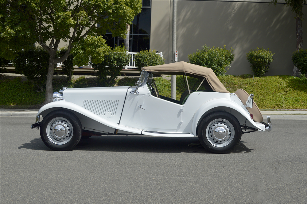 1950 MG TD ROADSTER - Side Profile - 188746
