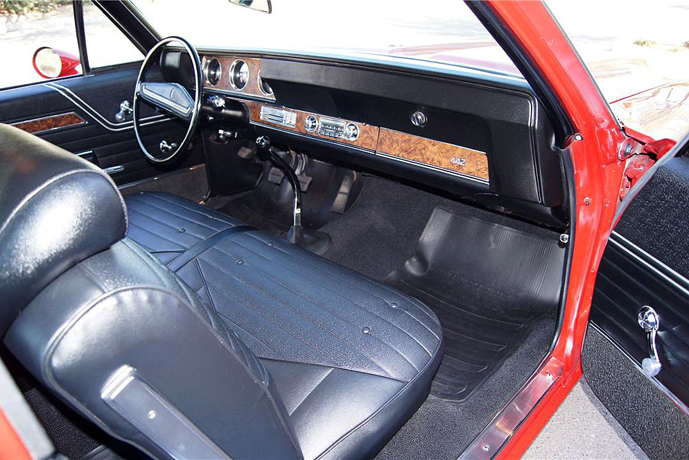 1970 OLDSMOBILE 442 W30 POST COUPE - Interior - 188760