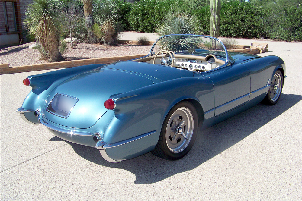 1954 CHEVROLET CORVETTE CUSTOM CONVERTIBLE - Rear 3/4 - 188761