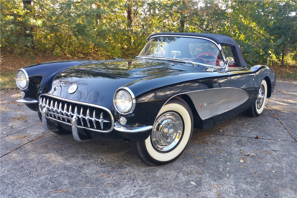 1957 CHEVROLET CORVETTE CONVERTIBLE - Front 3/4 - 188812