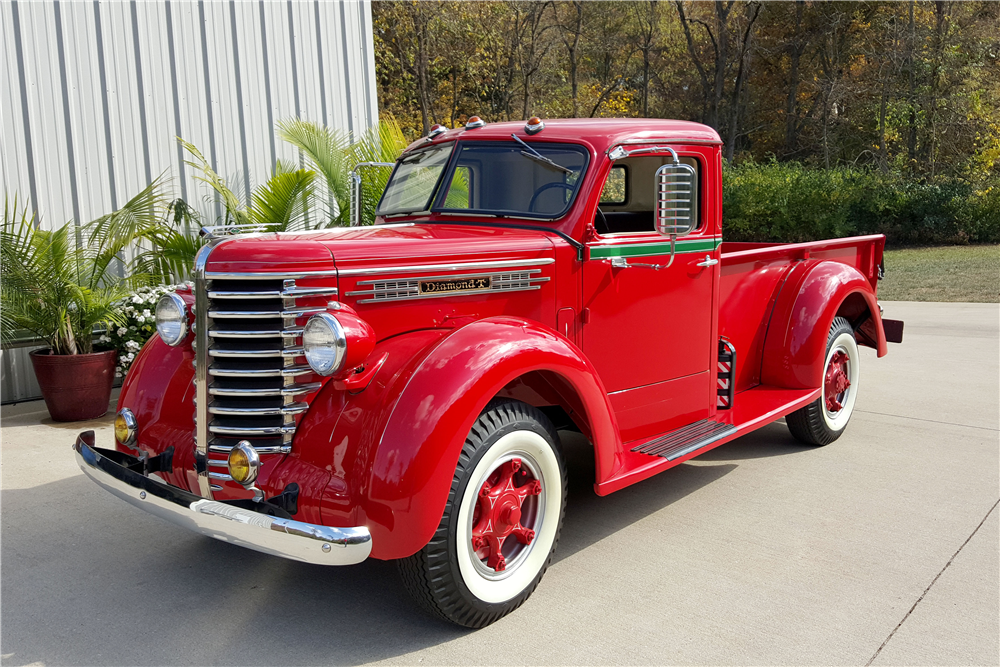 1948 DIAMOND T 201 PICKUP - Front 3/4 - 188846