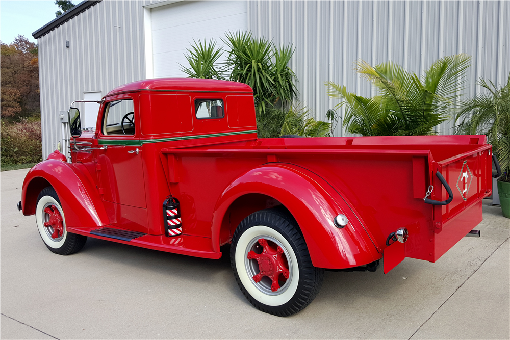 1948 DIAMOND T 201 PICKUP - Rear 3/4 - 188846