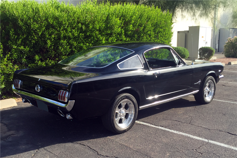 1965 FORD MUSTANG FASTBACK - Rear 3/4 - 188848