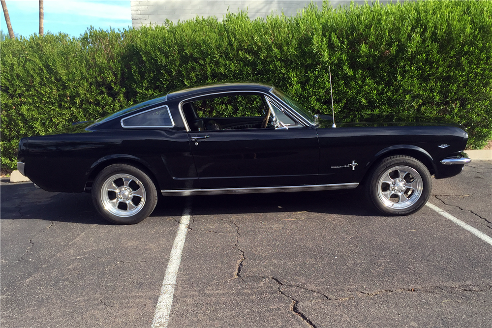 1965 FORD MUSTANG FASTBACK - Side Profile - 188848