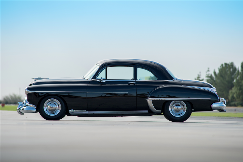 1950 OLDSMOBILE 88 FUTURAMIC CUSTOM COUPE - Side Profile - 188858