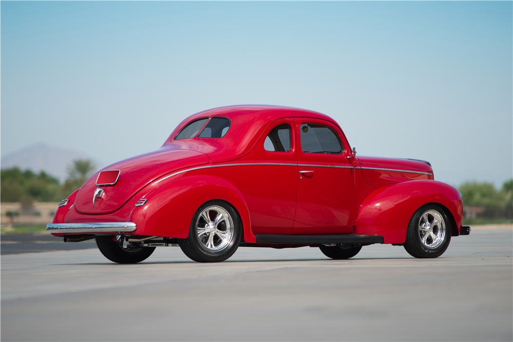 1940 FORD DELUXE CUSTOM COUPE - Rear 3/4 - 188860