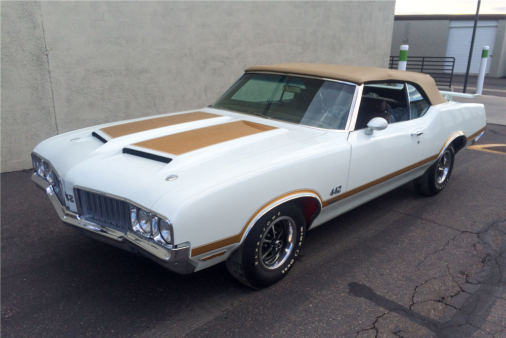 1970 OLDSMOBILE 442 CONVERTIBLE - Front 3/4 - 188869
