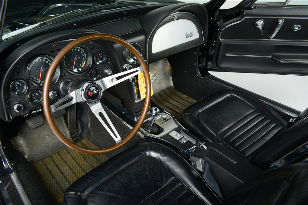 1967 CHEVROLET CORVETTE  - Interior - 188884