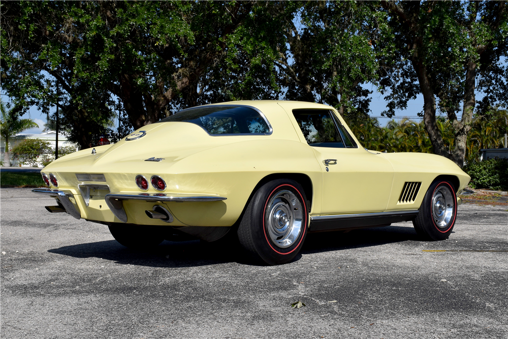 1967 CHEVROLET CORVETTE - Rear 3/4 - 188917