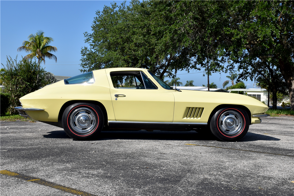 1967 CHEVROLET CORVETTE - Side Profile - 188917