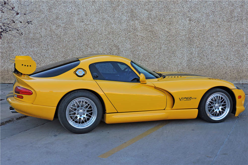 2001 DODGE VIPER GTS  - Side Profile - 188922