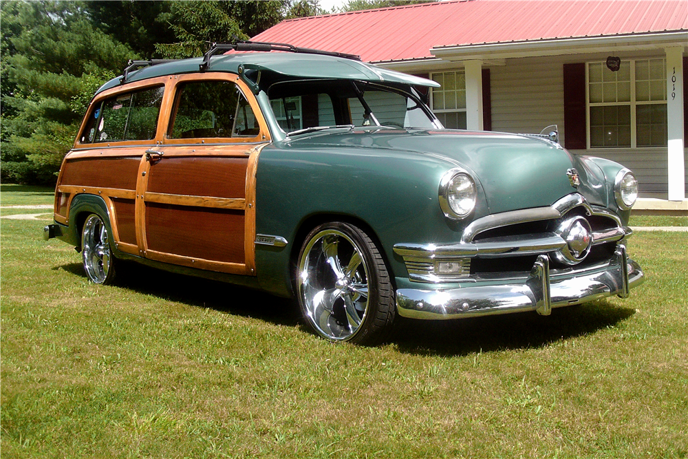 1950 FORD CUSTOM WOODY WAGON - Front 3/4 - 188967