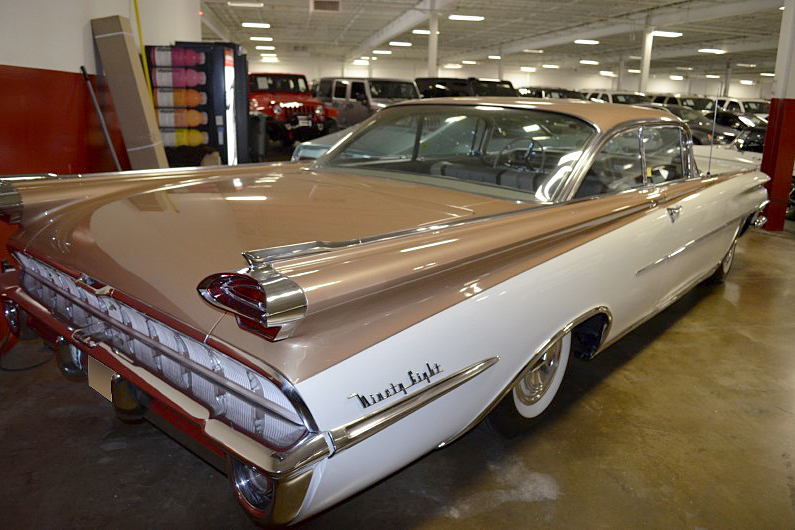 1959 OLDSMOBILE HOLIDAY 98  - Rear 3/4 - 188982
