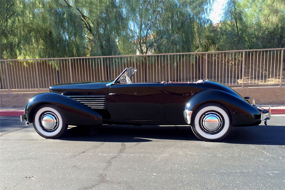 1937 CORD 812 PHAETON V8 CONVERTIBLE - Side Profile - 188984