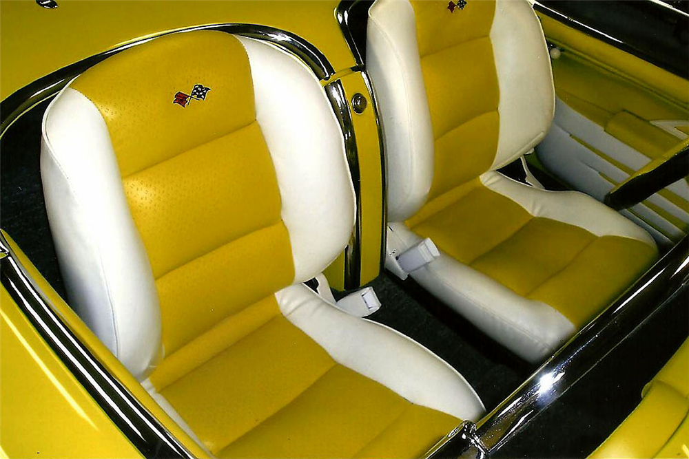 1954 CHEVROLET CORVETTE CUSTOM CONVERTIBLE - Interior - 188999