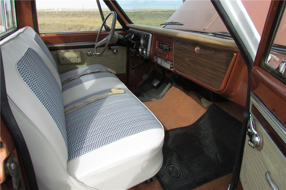 1970 GMC 1500 CUSTOM PICKUP - Interior - 189000