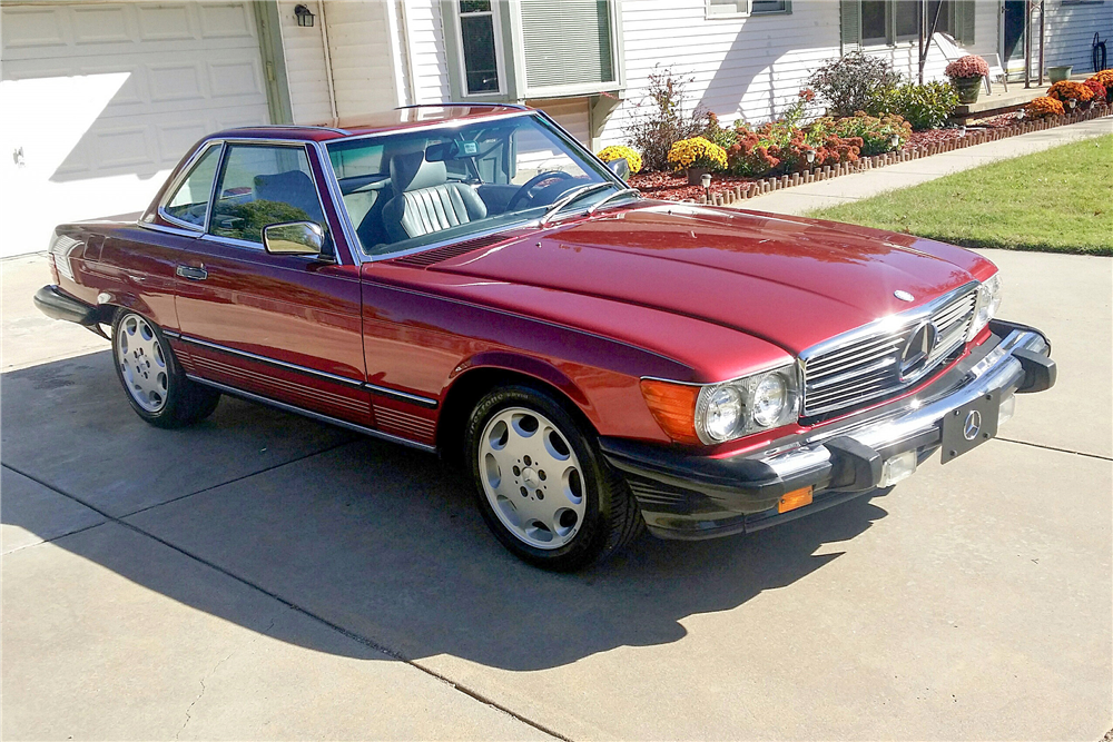 1986 MERCEDES-BENZ 560SL ROADSTER - Front 3/4 - 189021