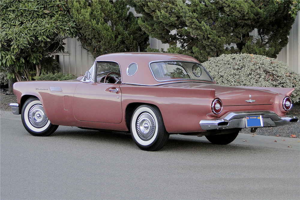 1957 FORD THUNDERBIRD CONVERTIBLE - Rear 3/4 - 189023