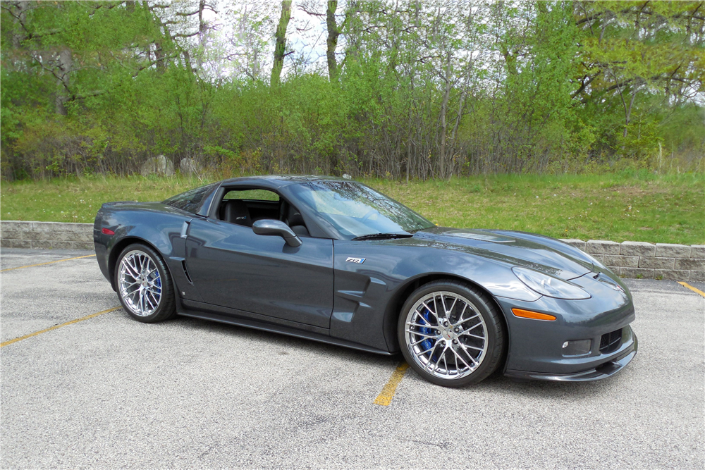 2009 CHEVROLET CORVETTE ZR1 - Front 3/4 - 189026