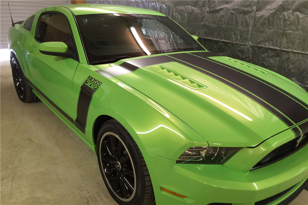 2013 FORD MUSTANG BOSS 302 FASTBACK - Front 3/4 - 189029
