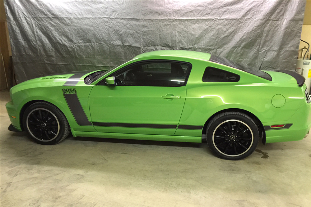 2013 FORD MUSTANG BOSS 302 FASTBACK - Side Profile - 189029