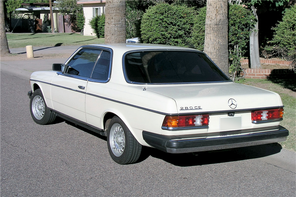 1981 MERCEDES-BENZ 280CE - Rear 3/4 - 189050