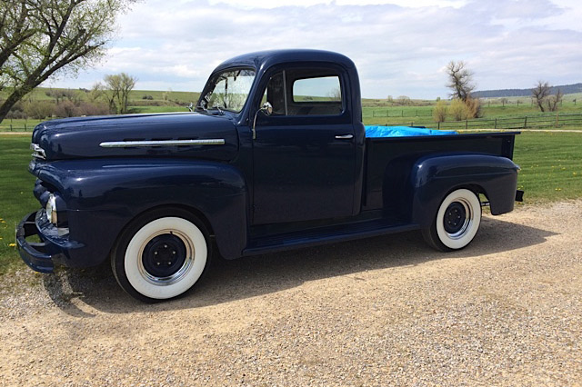 1951 FORD HALF-TON PICKUP - Front 3/4 - 189077