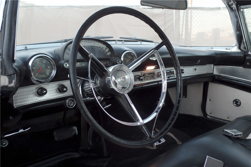 1956 FORD THUNDERBIRD CONVERTIBLE - Interior - 189087