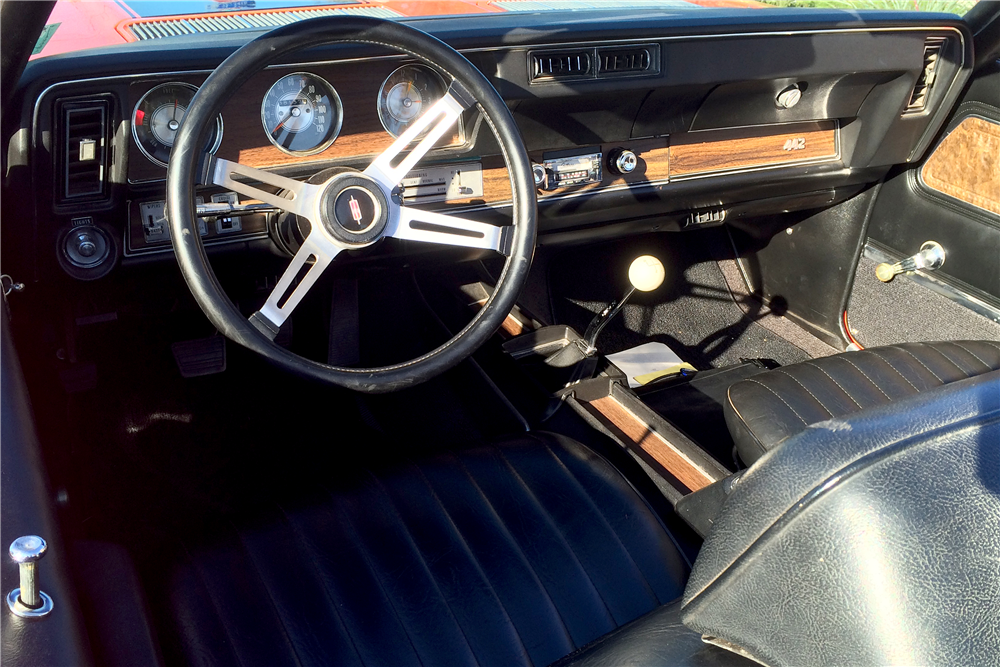1970 OLDSMOBILE 442 CONVERTIBLE - Interior - 189090