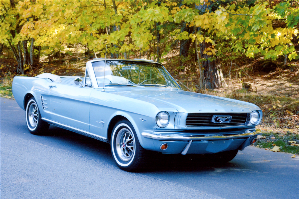 1966 FORD MUSTANG CONVERTIBLE - Front 3/4 - 189106