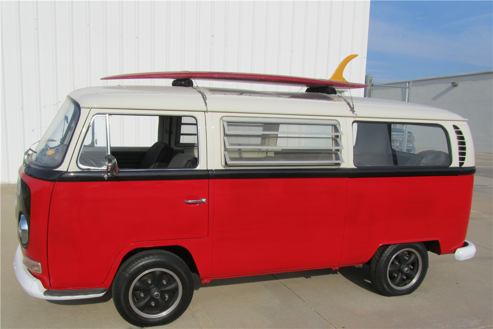 1968 VOLKSWAGEN CAMPER BUS - Side Profile - 189111