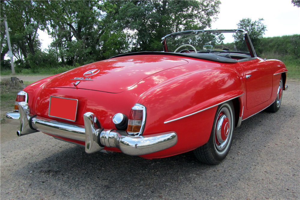 1958 MERCEDES-BENZ 190SL CONVERTIBLE - Rear 3/4 - 189112
