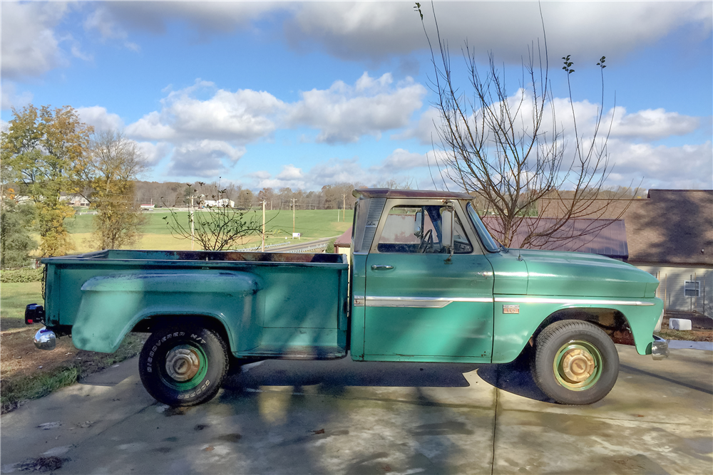 1966 CHEVROLET C-15 PICKUP - Side Profile - 189113
